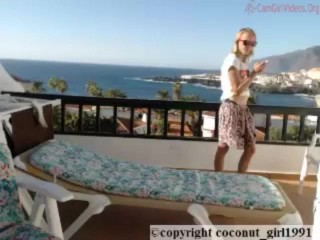 Balcony Babe smoking and chating coconut_girl1991_101216 chaturbate REC