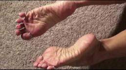 Foot Fetish Erotica with Muscle Vixen LDR