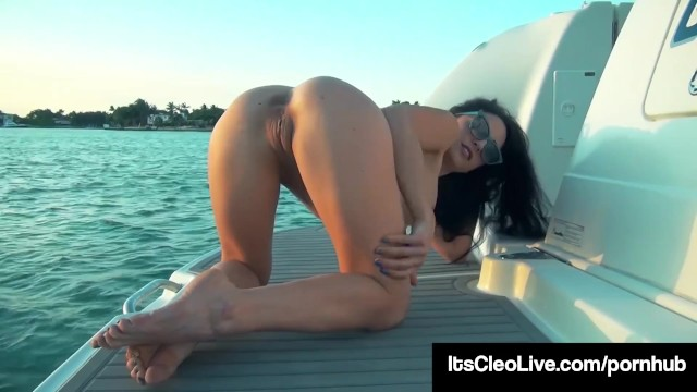 Naked freckled girls pics - Freckled face cutie its cleo pumps her wet pussy on a boat