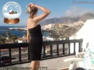 Girl pose in public Balcony coconut_girl1991_051216 chaturbate LIVESHOW REC