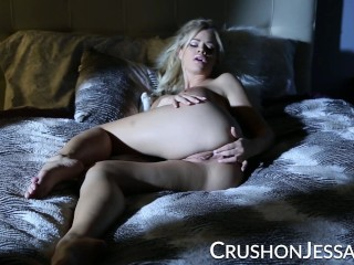 CrushGirls - Jessa Rhodes masturbates in bed