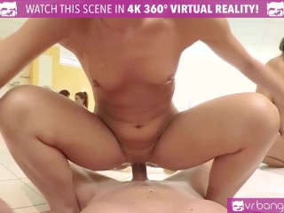 VR Bangers-Five hot russian girls share one cock