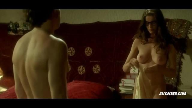 Lamalinks laetitia nude Laetitia casta nude compilation