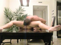 MATURBATING ON A GLASS TABLE WITH SQUIRT