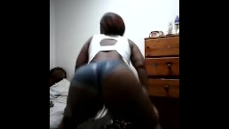 Ebony BBw twerking chocolate ass