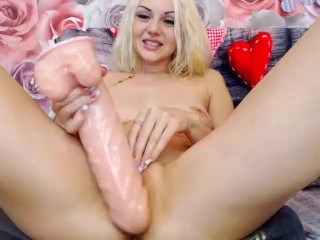 Kinky blonde MoonChristine