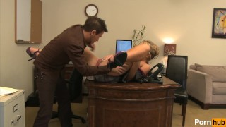 My boss is a cougar - Scene 5