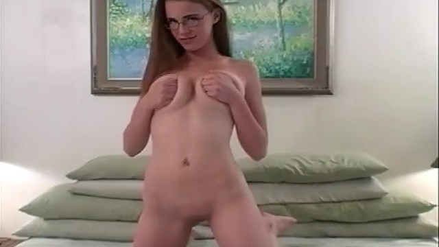 Teenuses peppermint toy to masturbate and orgasm