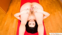 VIRTUAL TABOO Cute Sister Shows Her Pussy During Yoga Session