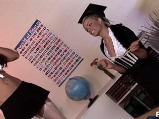 anna lovato yes miss - Scene 5