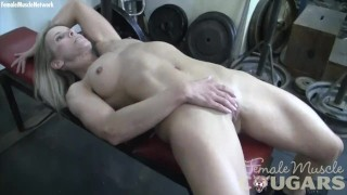 mature female bodybuilder masturbates in the train
