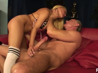 Redhead Gives Awesome Blowjob