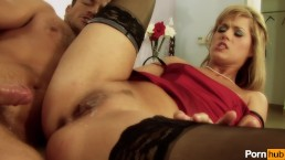 girls from prague metropolis red - Scene 5