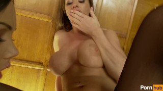 Play  and scene plug pussy bubble