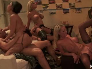 Angeles erotic latina los services