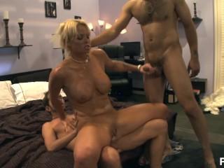 Schwulenpornos Kostenlos Ansehen Home Affairs 2 - Scene 1 Babe Big Dick Big Tits Blonde