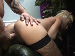 Girl solo sex to climax