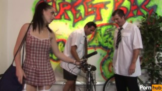Bicycle birds - Scene 6