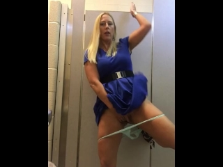 Sexy pussy play in public bathroom!