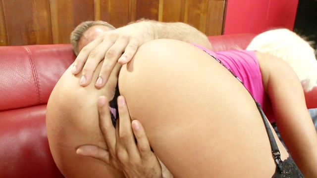 Blondy with a perfect ass is fucked