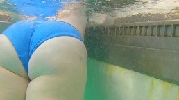 Thick PAWG Underwater Creepshot at Public Pool -NO SEX- ~A Velvet Short~