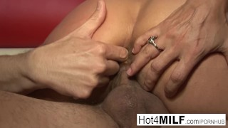 A wants facial with milf tits big tits cowgirl