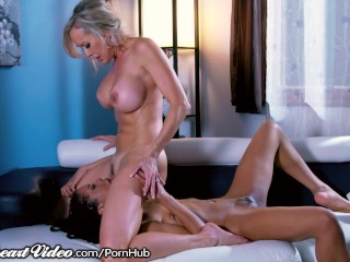 SweetHeart Brandi Love Sits on her Therapists Face