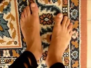 Feet naked and leggings - Jessykyna Crossdresser