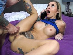 Shemale with pierced belly button masturbates in porn chat