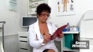CFNM exam with oily handjob feat. sexy lady doctor Maya