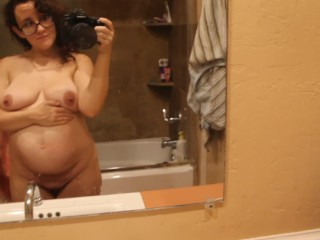 Madeline Bug's 2nd twin pregnancy 16 week belly