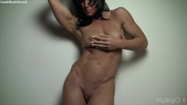 Clit photos of female bodybuilders - Naked female bodybuilder and her big clit