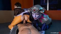 VR Cosplay X CFNM trio met Widowmaker en Tracer VR porno