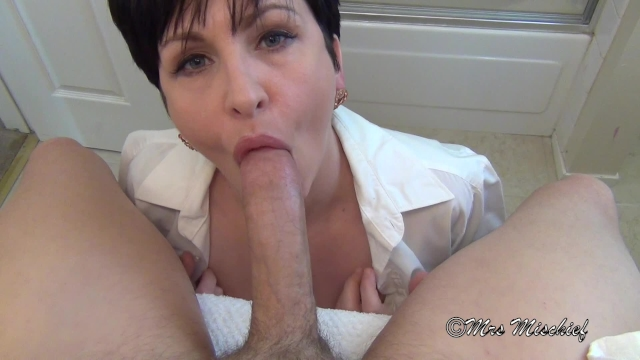 naked sultry wife sucking dick