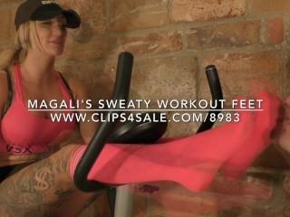 Magali's Sweaty Workout Feet – www.c4s.com/8983/18148360