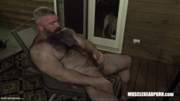 musclebear daddy jacks off