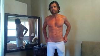 色情影片免费 - 巨大的公鸡白色氨纶