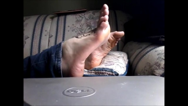 Wrinkled sole lick Soles scrunching wrinkled feet pointed perfect toes foot fetish