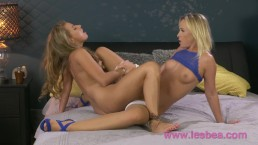 Lesbea Two sexy blonde babes dripping wet pussy eating and fingering