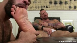 Hugh Hunter Worshiped Until He Cums