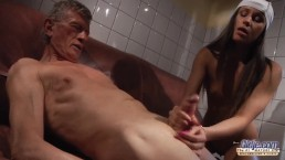 Teen Gives Fast Handjob to Grandpa and lets him stick his dick insider her