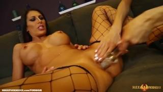 Lesbian goes makayla shavelle love on busty cox brunette eating