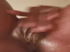 Pussy creamy masturbation in room mates shower