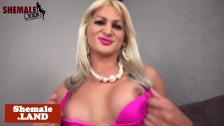 Bigass trans beauty jerksoff and spreads ass Big face