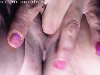 Solo female plays with her Creamy Big lips and fingering