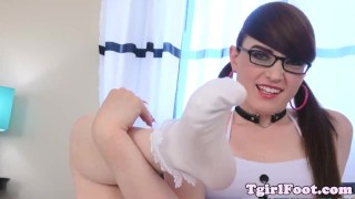 Spex tranny swaying her pedicured feet