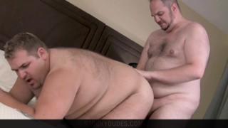 Chubby Bear Cubs Bareback & Cum (Brandon & Kris from Stocky Dudes)