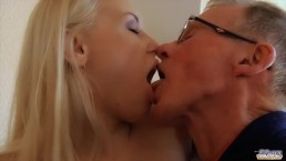 Secretary Likes to Fuck Her Older Boss And Swallow His Cum in the Office