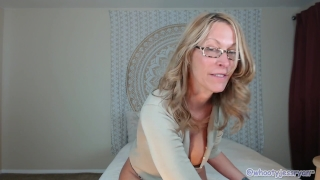 Tanned Milf JessRyan Twerking Ass Facial inked