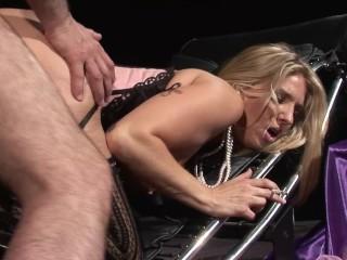JORDAN KINGSLEY Shows Off Her Big Natural Tits Rides Huge Cock